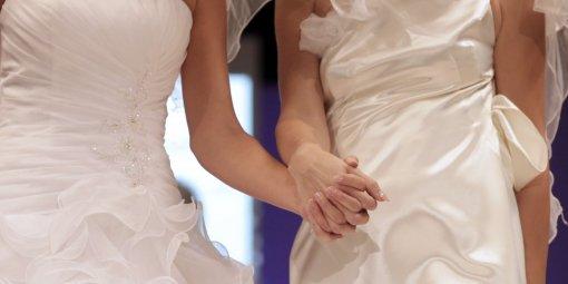 tout-a-ete-fait-comme-si-c-etait-un-mariage-normal-les_469916_510x255
