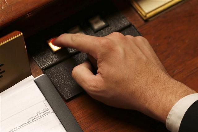 LES DÉPUTÉS VOTENT LE BUDGET 2013 EN NOUVELLE LECTURE