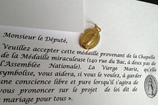 medaille-deputes-mariage-gay_scalewidth_630