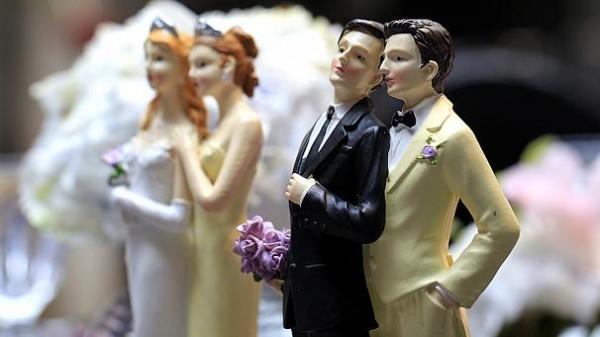 606x341_224982_le-tout-premier-mariage-homosexuel-aur