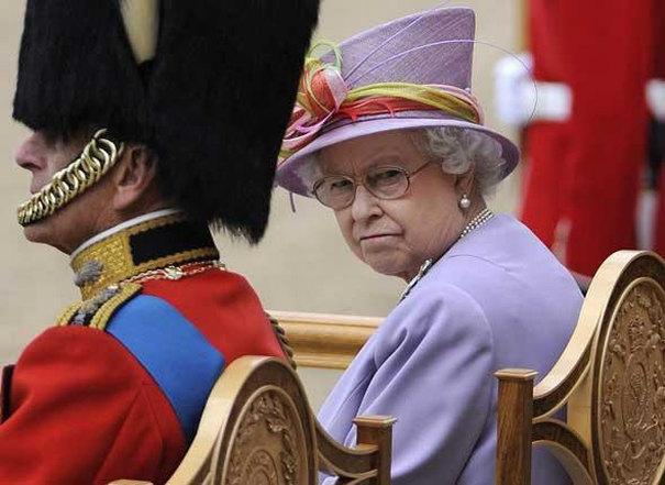 reine_Elizabeth_royal_Angleterre_984347255