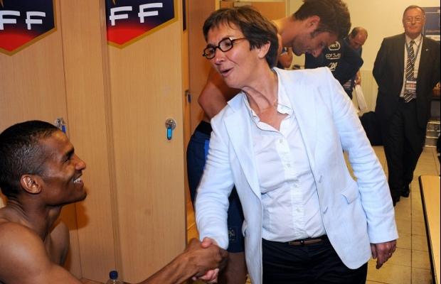 img-valerie-fourneyron-ministre-des-sports-felicite-les-bleus-apres-franceserbie-1359468562_620_400_crop_articles-166292