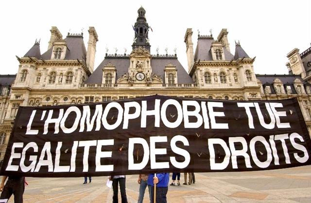 Le-nombre-d-agressions-homophobes-a-fortement-augmente-en-2012-selon-SOS-homophobie_article_popin