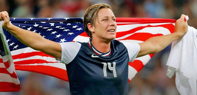 110112-Soccer-USWNT-Abby-Wambach-FLAG-BEARER-DG-PI_20121101124028944_660_320
