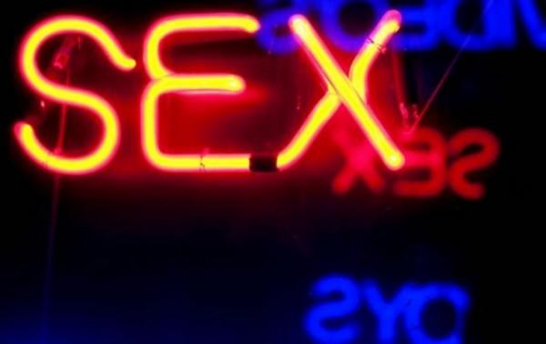sexe_neon-001