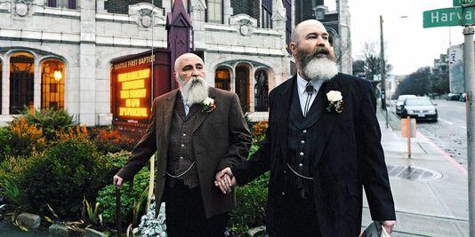 rencontre entre homme gay wedding à Vaulx-en-Velin