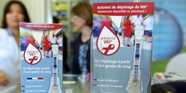 les-autotests-seront-en-vente-dans-les-pharmacie-des-le-15_3172567_800x400