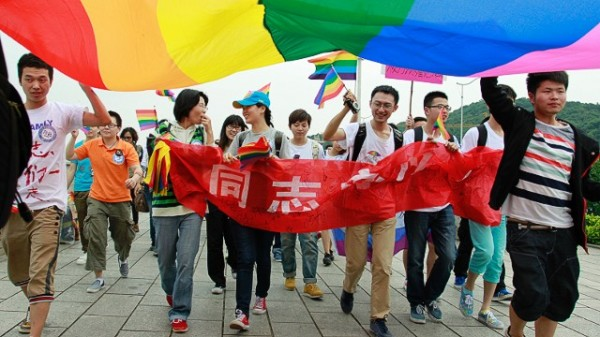 130627191944-china-gay-parade---s022127245-story-top