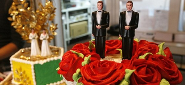 figurines-gateau-mariage-gay-reuters