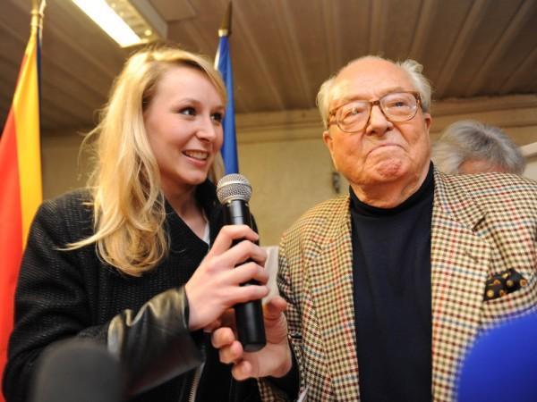 Marion-Marechal-Le-Pen-et-Jean-Marie-Le-Pen-a-Carpentras-lors-du-2eme-tour-des-Departementales-le-29-mars-2015_exact1024x768_l