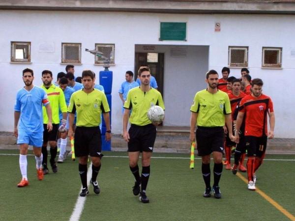 Tomillero-Benavente-sale-arbitrar-partido_114749905_3301530_1706x1280