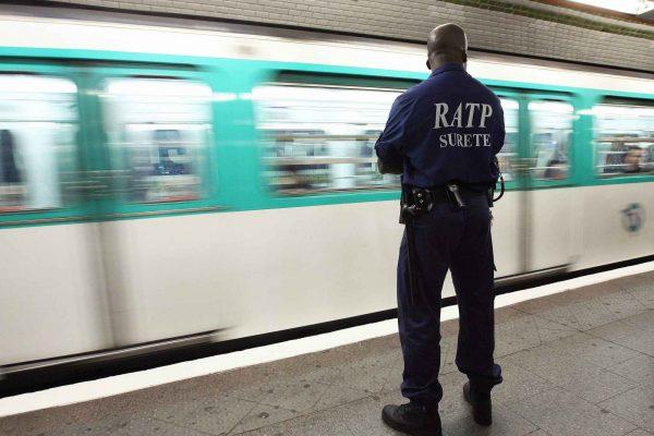 2048x1536-fit_agent-surete-ratp-quai-metro-10-juin-2008