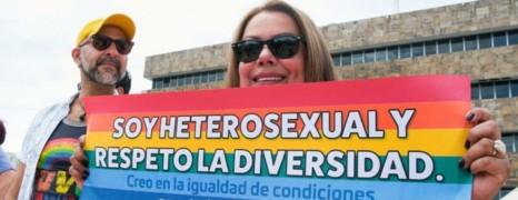 Costa Rica : un couple de lesbiennes risque la prison pour s'être marié