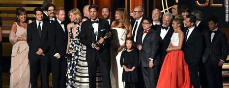 Emmy Awards : Modern Family meilleure série
