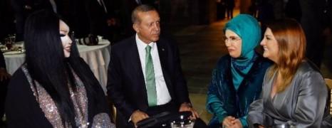 Le diner gênant du président turc avec une diva transsexuelle