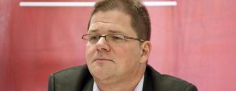 Parce que gay, le leader des néonazis allemands démissionne