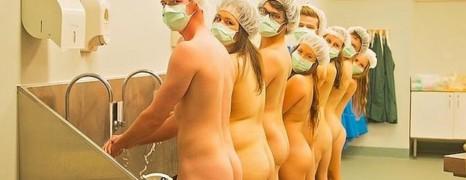 Une école véto australienne pose nue !