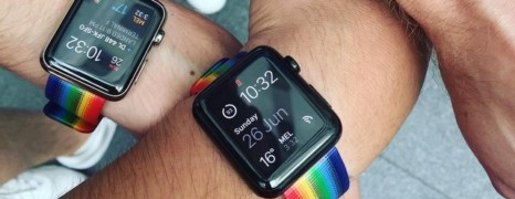 A la Gay pride de San Francisco Tim Cook distribue des Apple Watch LGBT