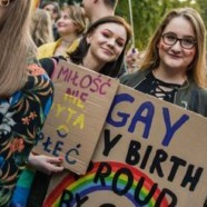 En Pologne, la Gay Pride fait face à des contre-manifestants homophobes