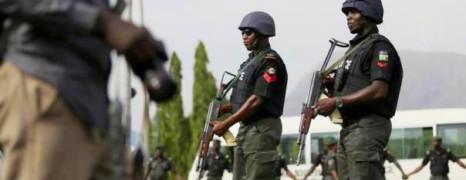 Nigeria : 12 hommes arrêtés accusés de préparer un mariage gay
