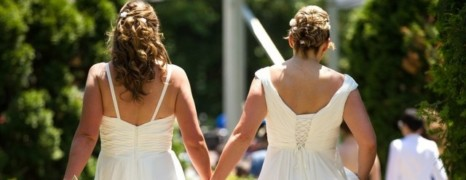 1er mariage d'un couple homo en Russie