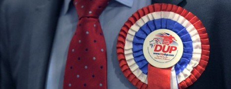Royaume-Uni : une alliance DUP-conservateurs suscite l'inquiétude