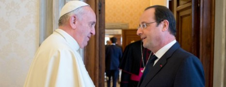 Vatican : Hollande lâche son candidat gay !