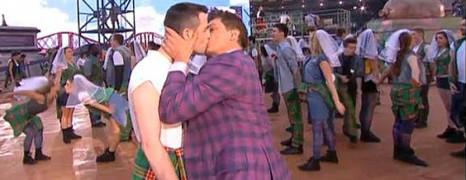 Un gay kiss pour ouvrir les Jeux du Commonwealth