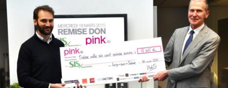 PinkTV remet un don à Sida Info Service