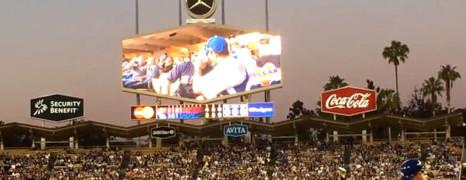 Vidéo : un couple gay s'embrasse lors d'un match de baseball