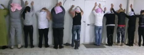 Libye : 12 homos retenus en otage