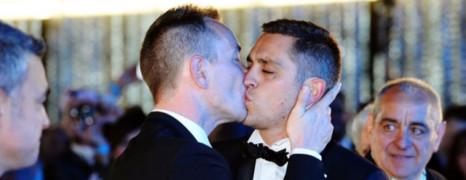 Le premier marié gay de France menacé de mort