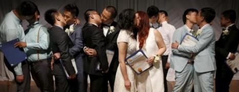7 couples homosexuels chinois se marient à West Hollywood