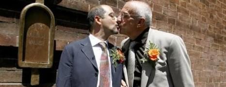 Le Sénat italien valide une union gay sans enfant ni fidélité