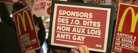 JO : rassemblement à Paris contre la discrimination anti-gay