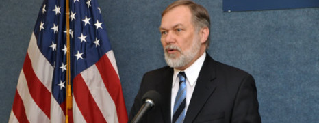 L'évangéliste anti-gay Scott Lively sera jugé