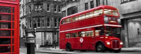 Londres : 2 gays expulsés d'un bus pour un baiser