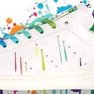 La tennis LGBT d'Adidas
