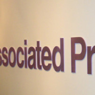 Associated Press supprime le terme homophobie