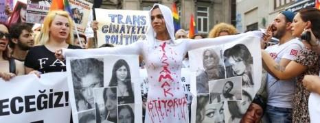 Manifestation après le meurtre de Hande Kader