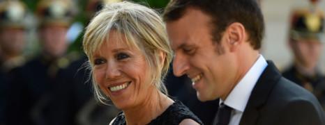 Brigitte Macron menace l'auteur des rumeurs sur l'homosexualité de son mari
