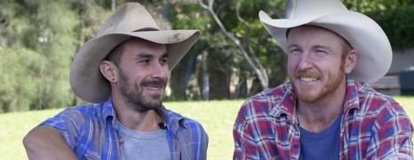 Ce couple de cowboy australien défend le mariage gay