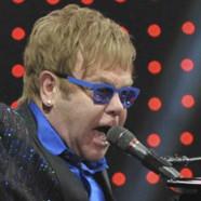 Le généreux cadeau d'Elton John aux malades du sida en Afrique