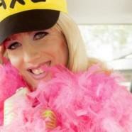Cette Drag Queen, votre prochain chauffeur Uber !