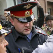 Saint-Pétersbourg : heurts entre pro et anti gays