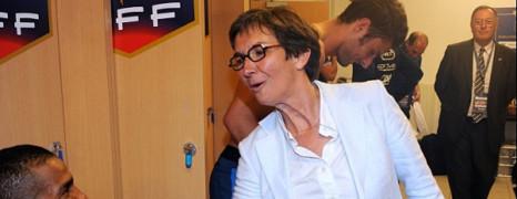 Loi anti-propagande gay russe: Paris préoccupée