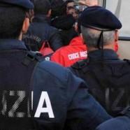 Italie : le père d'un jeune homo agresse l'amant de son fils