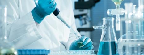 Coronavirus : à quoi ressemble le traitement anti-vih testé actuellement