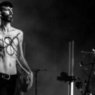 Placebo défend la cause gay en plein concert au Maroc