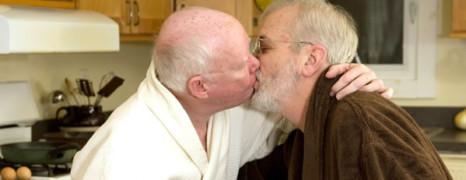 Les seniors gays ont plus de rapports sexuels
